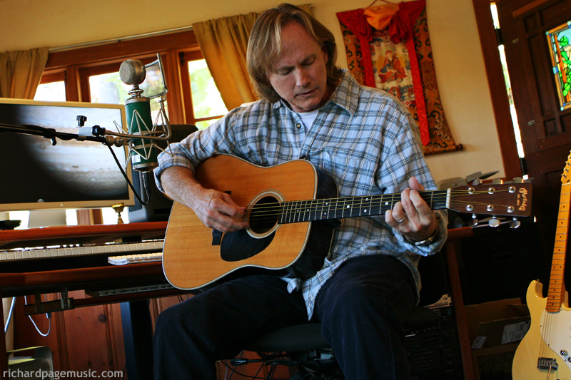 richard-page-guitar-studio